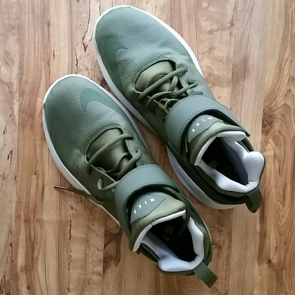 finest selection d655a 6d8cf NIKE KWAZI Olive Green High Top Runners. Size 12. M 5b26a606035cf108c84259d5